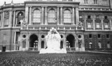 Фонтан «Молодость» в сквере у театра оперы и балета. Конец 1920-х гг.