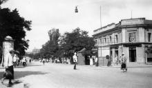 Одесса, ул. Лассаля угол ул. К. Маркса (в доме № 14 по К. Маркса «Одесробкооп»). Конец 1920-х гг.