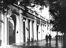 Одесса. Кинотеатр «Комсомолец» с ул. Дерибасовской. 1950-е гг.