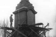 Одесса. Реконструкция колонны. Фото Геннадия Калугина. 1976 г.