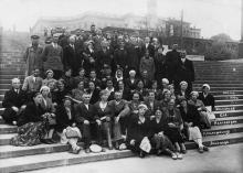 Одесса. Экскурсия санатория Медсантруда. Потемкинская лестница. 1939 г.