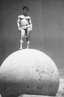 На шаре на Ланжероне. Одесса. 1960-е гг.