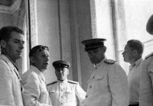 Приемка нового здания вокзала. К.Б. Корченов второй слева. 1952 г.