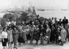 Одесса. На фоне морского вокзала. 1969 г.