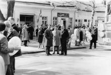 Одесса. Возле дома № 27 по ул. Богдана Хмельницкого. 1 мая 1973 г.