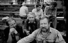 Члены Одесского общества коллекционеров на еженедельном сборе в Зеленом театре. Начало 1980-х гг.