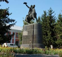 Памятник А.В. Суворову в Тульчине Винницкой области