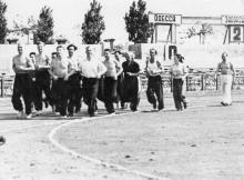 Одесса. На беговой дорожке стадиона. 1950-е гг.