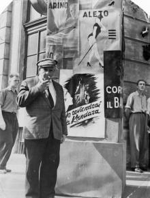 Одесса. Возле дома № 8 по ул. Ласточкина. Кадр из фильма «Роман и Франческа», 1960 г.