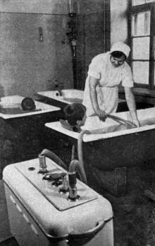 Гидромассаж. Фото в брошюре «Здравницы Хаджибея». 1970 г.