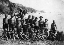 Дети, отдыхающие в доме отдыха ЦКЖД, на пляже. Одесса. 1934 г.