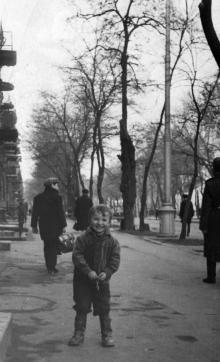 Одесса. На улице Подбельского, у дома № 46. 1969 г.