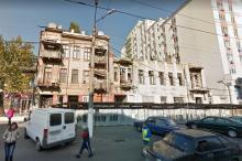 Одесса. Дома (справа налево) №№ 82 и 84 по Пантелеймоновской улице. Фото Гугл. 2011 г.