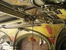 Фрагмент потолка в зале бывшего Русского технического общества. Фото В. Баля. 2008 г.