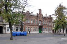 Одесса. Дом № 24 по ул. Манежной. Фото А. Вельможко. Октябрь, 2005 г.