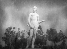 Одесса. Ланжерон. Скульптура теннисистки. 1938 г.