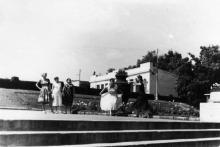 Одесса. На лестнице в парке «Победа». 1960-е гг.