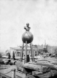 Одесса. Памятник Ленину на территории судостроительных мастерских имени Марти и Бадина. Май, 1924 г.