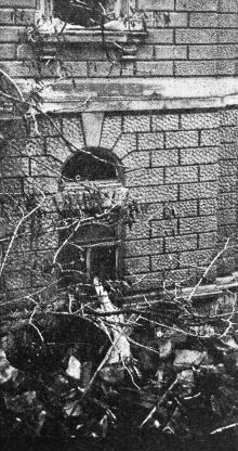 В Театральном переулке во время пожара. Фото в журнале «Шквал», 1925 г.