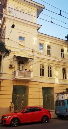 Одесса. Фасад дома № 18 по ул. Канатной