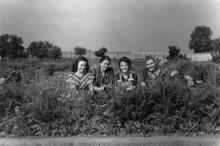Студентки-генетики на практике в ботаническом саду. Одесса. 1951 г.