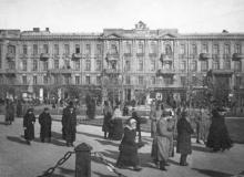 Вид на Пассаж с Соборной площади. Одесса. 1918 г.