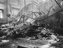 Последствия пожара на складе. Фото в журнале «Иллюстрации», 15 июля 1905 г.