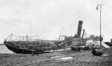Палуба парохода «Петр» российской компании после пожара. Фото в журнале «Иллюстрации», 15 июля 1905 г.