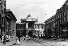 Одесса. Начало улицы Ленина. Театр оперы и балета. Конец 1930-х гг.