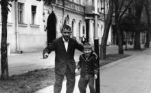 Одесса. На улице Горького возле дома № 10. 1970-е гг.