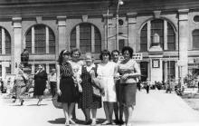 Памятник Ленину на перроне железнодорожного вокзала. Одесса. 1970-е гг.