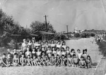 Одесса. На пляже пионерского лагеря «Молодая гвардия». 1967 г.
