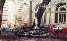 Летний сад гостиницы «Одесса». Фото в буклете «Hotel «Odessa». 1960-е гг.