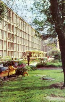 Политехнический институт, главный корпус. Фото А. Глазкова. Набор фотооткрыток «Одесса». 1975 г.