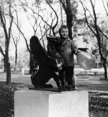 Одесса. Грифон в сквере им. Кирова. 1965 г.