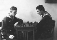 И.Ф. Демьянов (справа) за любимой игрой в шахматы. 1950 г.