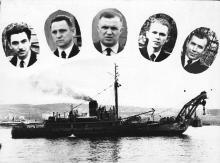 Командный состав корабля. И.Ф. Демьянов крайний слева. 1957 г.