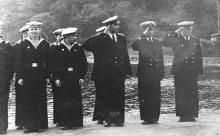 Отдание чести. И.Ф. Демьянов в центре. 1958 г.