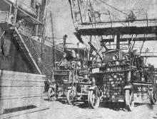 Одесса. В порту — погрузка леса. Фото В. Шайхета. 1936 г.