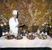 Одесса. В ресторане гостиницы «Черное море». Фотография в буклете «Odessa». 1975 г.