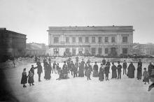 Каток на Александровском проспекте, угол Полицейской (Бунина), 1880-е годы