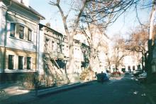 Одесса. Красный переулок, 2-6. Фото Людмила Морошану-Демьянова. 2000 г.