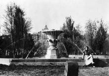 Фонтан в сквере на площади Советской Армии. Одесса. 1950-е гг.