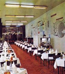 Ресторан «Братислава». Зал «Чешская кухня». Фотография в буклете одесских ресторанов. 1970-е гг.