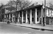 Одесса. Дом № 35 по ул. Ф. Меринга со стороны ул. Красной гвардии. Фото В.А. Чарнецкого. 1970-е гг.