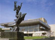 Театр музыкальной комедии. Фотография из набора «Одесса», изданного фирмой «Летописец». 1996 г.