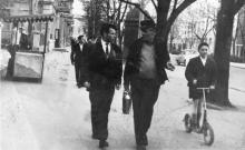 Одесса. На улице Халтурина, слева вход в городской сад. 1960-е гг.