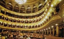 Одесса. Зрительный зал театра оперы и балета. Фото в книге «Одесса — Варна». 1976 г.