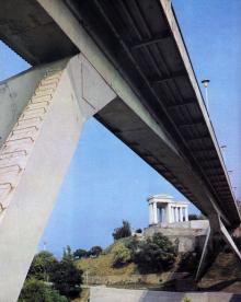 Одесса. Мост им. Жанны Лябурб (Тещин). Фото в книге «Одесса — Варна». 1976 г.
