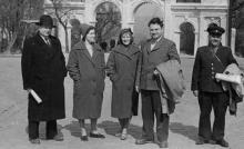 Перед аркой Ланжерона. Одесса. 1950-е гг.